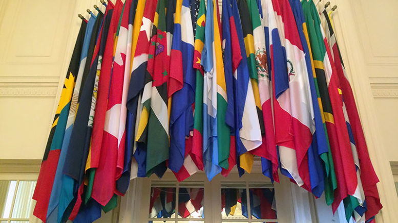 Salida de Venezuela de la OEA no afecta la economía interna del país 777x437 - Salida de Venezuela de la OEA no afecta la economía interna del país