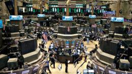 Wall Street cierra mixto y el Nasdaq logra un nuevo récord 260x146 - Wall Street cierra mixto y el Nasdaq logra un nuevo récord