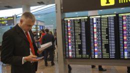 Sindicatos españoles hicieron un alto en huelga aeroportuaria 260x146 - Sindicatos españoles hicieron un alto en huelga aeroportuaria