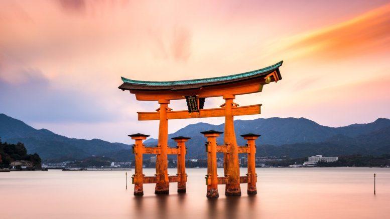 Empresas japonesas celebran ceremonias de bienvenida para nuevos empleados 777x437 - Empresas japonesas celebran ceremonias de bienvenida para nuevos empleados